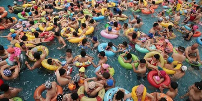 berenang bareng 1,3 juta orang